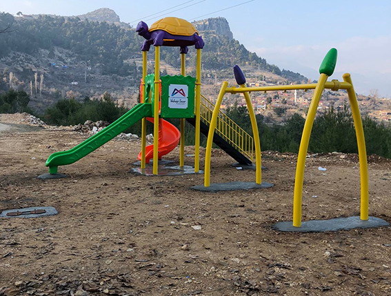 Çamlıyayla'da 3 Mahalleye Oyun Parkı