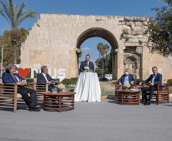 Mersin ve Adana Büyükşehir Belediye  Başkanları Tarsus'ta Ortak Yayına Katıldı