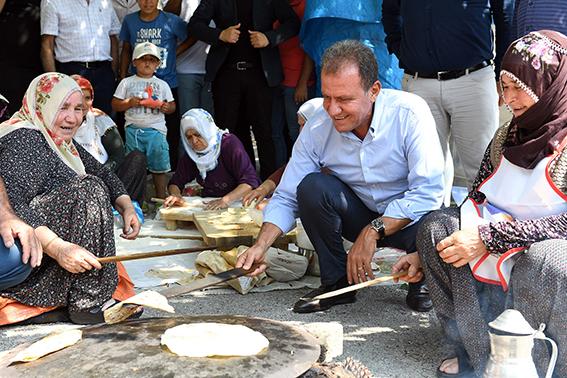 Başkan Seçer, Tarsus ve Çamlıyayla'nın  Kırsal Mahallelerinde Vatandaşlarla Buluştu